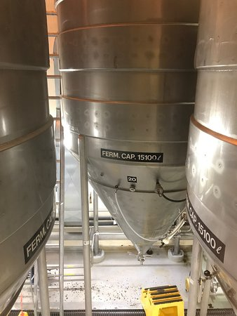 Creemore, Kanada: The commercial brewing process! A great tour.