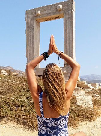 Portara: Praying to the Sun God on the day of the Total Solar Eclipse 2017