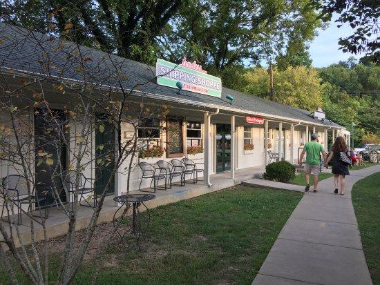 The Loveless Cafe Motel Cute Little Restaurant Off Natchez Trace Parkway Terminus