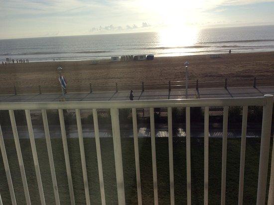 Comfort Inn & Suites Virginia Beach - Oceanfront: Watching the sunrise.