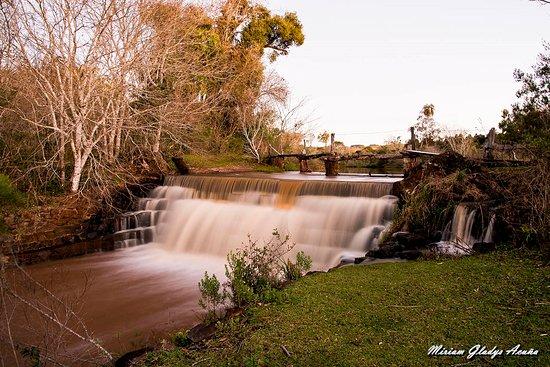 Andresito, Argentina: Por la lluvia se incrementó el caudal de agua que circulaba.