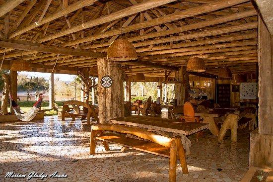 Andresito, Argentina: El estar es magnífico, se puede solazar en las hamacas o sentarse cómodamente en los sillones de