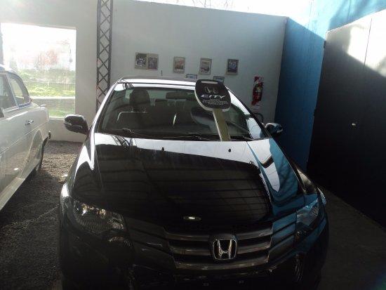 Primer automóvil Honda ensamblado en Campana