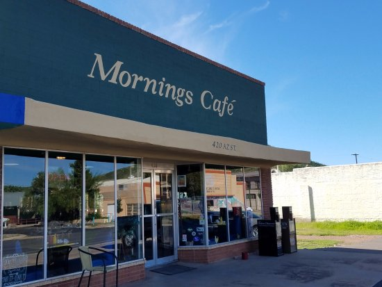 Mornings Cafe: Exterior