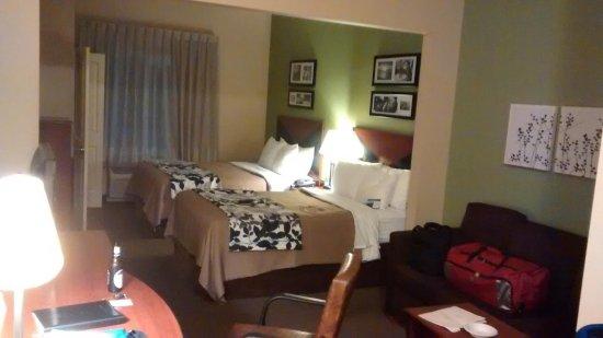 Sleep Inn & Suites : OMG!  How NICE!