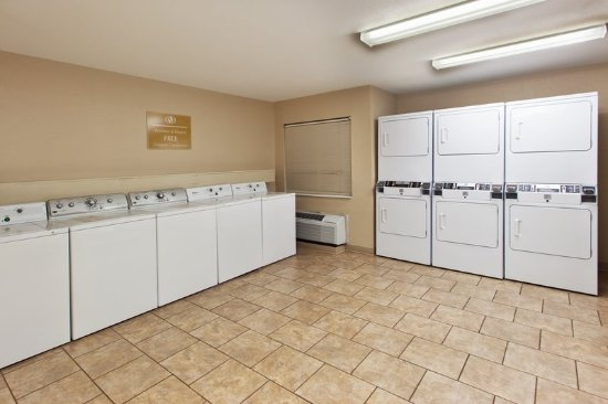 Candlewood Suites Knoxville: Laundry Facility