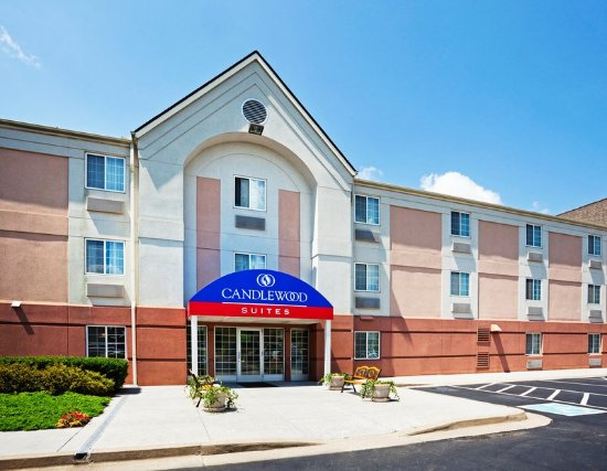 ‪‪Candlewood Suites Knoxville‬: Hotel Exterior‬