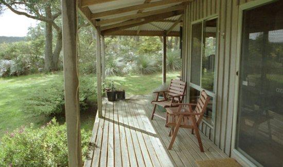 Hordern Vale, Australia: MoonLight Cottage deck