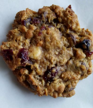 Camden, Carolina Selatan: Oatmeal Ev'rything Cookies. A bounty of rolled oats and delicious additions.