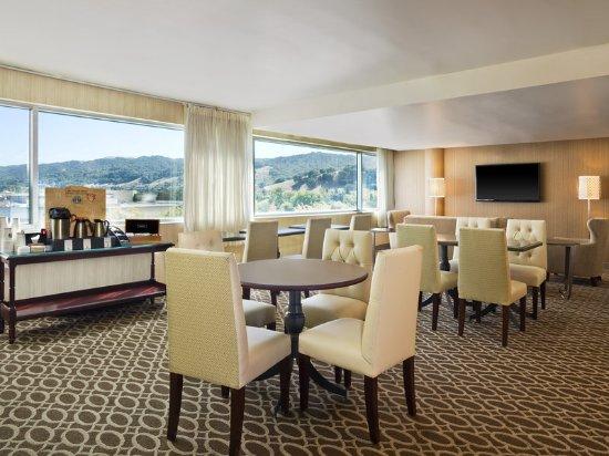 Pleasanton, Kalifornien: Sheraton Club Lounge