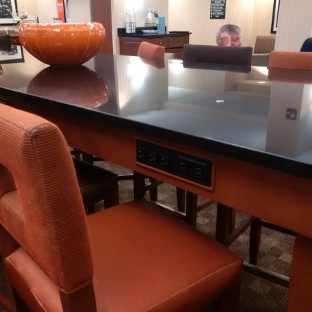 Valley Park, MO : breakfast room doubles as business area with thoughtful outlets everywhere