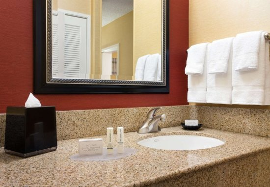 Laguna Hills, Californië: Guest Bathroom Vanity