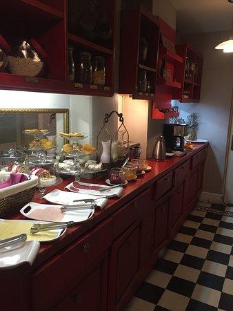 Mito Casa Hotel: Café da manhã muito bom!