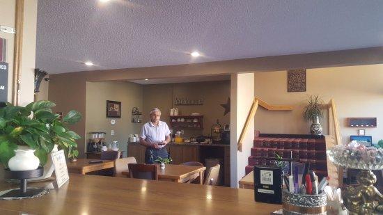 Sibley, IA: Breakfast and lobby area