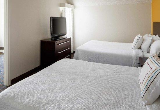 Placentia, CA: Family Suite - Bedroom