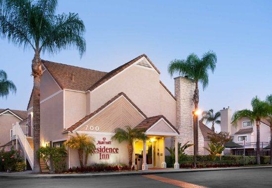Placentia, CA: Entrance