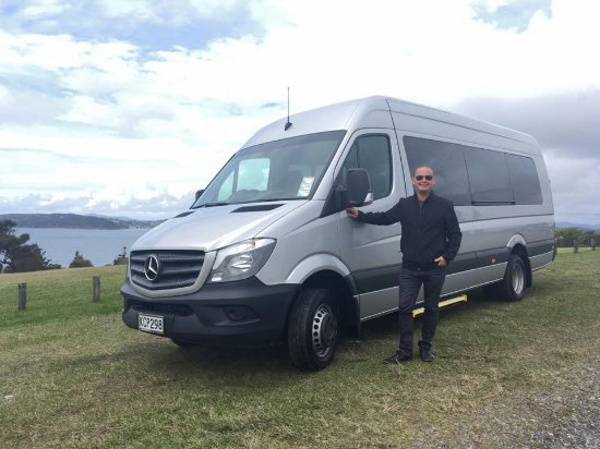 Paihia, Nueva Zelanda: Our luxury 19 Seater Mercedes Sprinter
