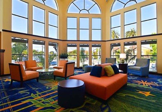 Capitola, CA: Lobby