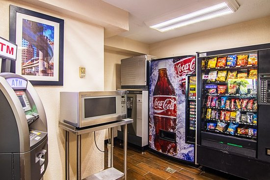 Red Roof Inn Southfield: Snack Vending