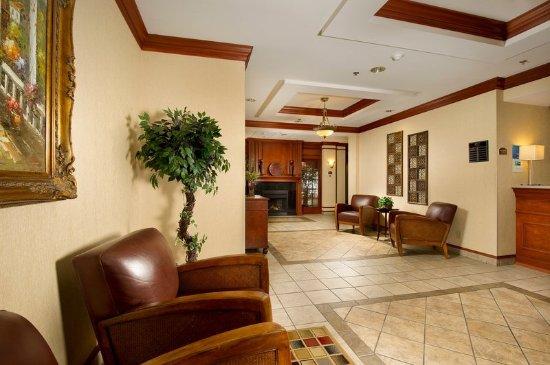 Lenoir City, TN: Hotel Lobby