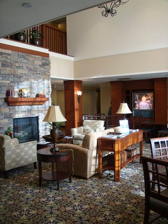 Mayfield Heights, OH: Hotel Lobby