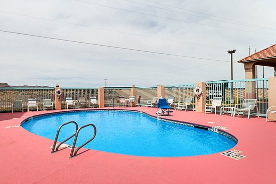 Quality Inn of Van Horn: Pool