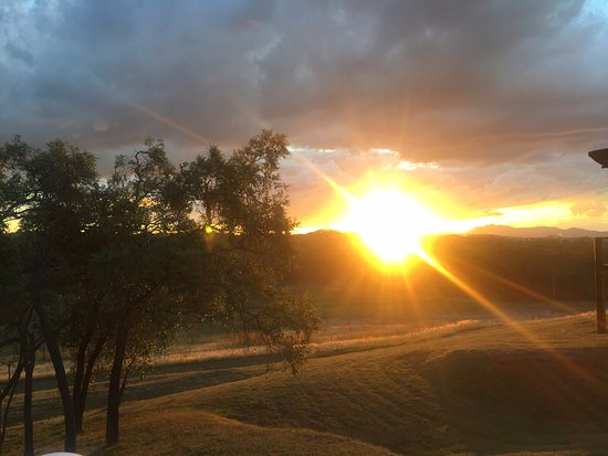 Gladstone, Australia: Sunset at Gecko Valley