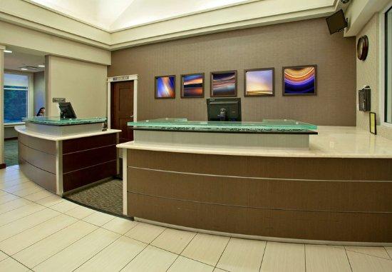 Hunt Valley, MD: Front Desk