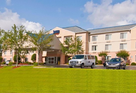 Fairfield Inn & Suites Jackson Airport: Exterior