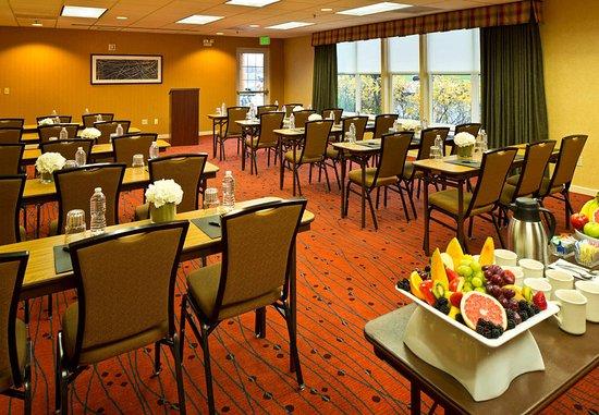 Residence Inn Anchorage Midtown: Meeting Room