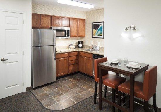 Overland Park, KS: Suite - Kitchen