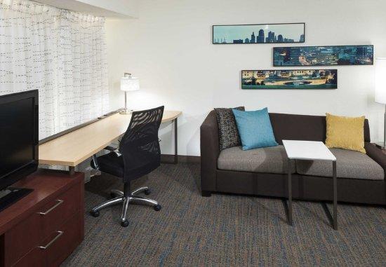 Overland Park, KS: Studio Suite - Living Area