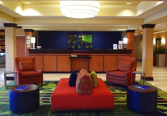 Seymour, IN: Lobby