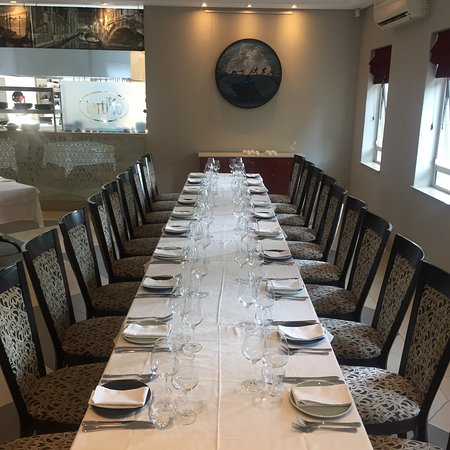 il Tartufo Ristorante: Long table available for up to 20 guests