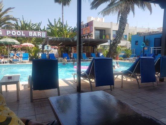 Kkaras Hotel Apts. : 20170816_103659_large.jpg