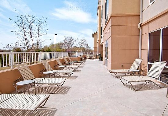 Edmond, OK: Outdoor Patio