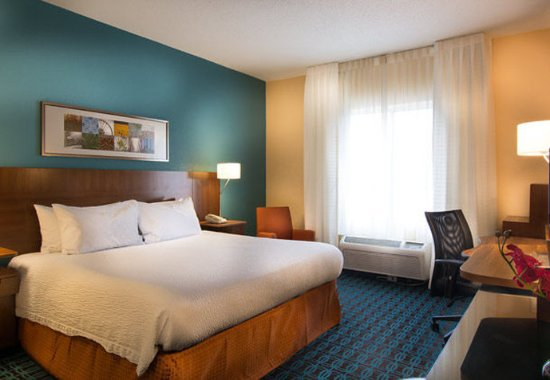 Chester, VA: King Guest Room