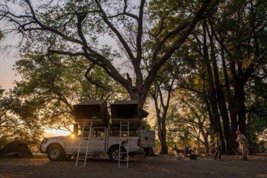 Маун, Ботсвана: Sunrise in camp