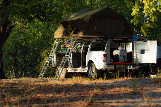 Маун, Ботсвана: Tents  up