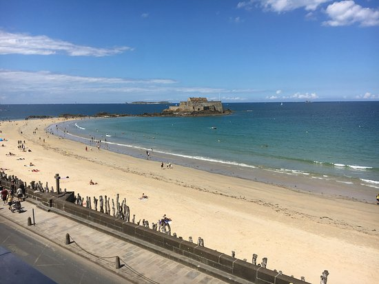 Hotel Oceania Saint Malo : The view from our balcony!