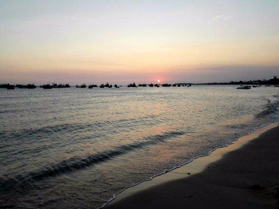 Ke Ga, Vietnam: Sunset.