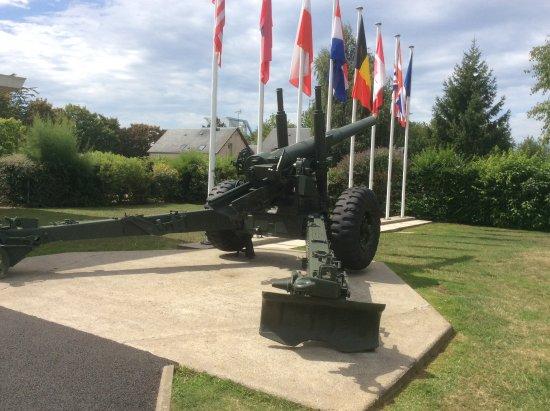 Ranville, Fransa: Un canon de 150 mm