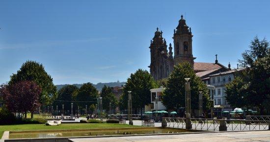 Praca da Republica: Da praça da Republica podemos ver a igreja dos congregados