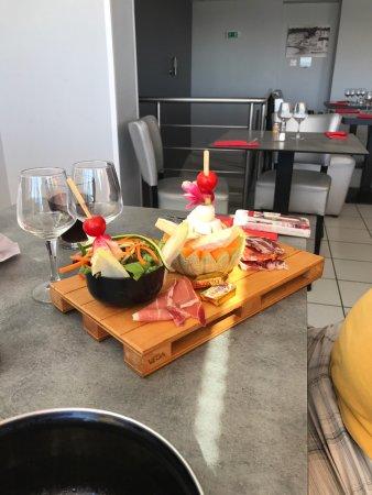 Restaurant le scoop dans carry le rouet avec cuisine for Resto carry le rouet