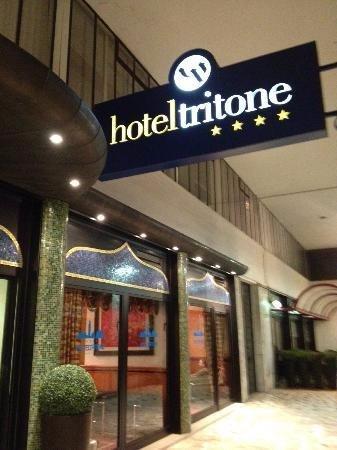 Hotel Tritone: Der Eingang in das Hotel