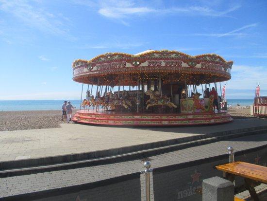 Brighton Beach: Carosel