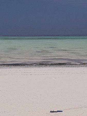 Paje Beach: IL MARE SI RITIRA....