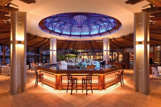Shandrani Beachcomber Resort & Spa: Bar