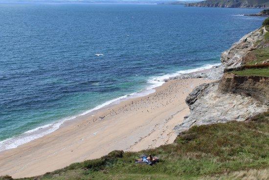 Porthleven, UK: Loe Bar beach