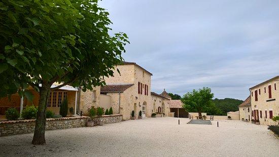 Chateau Mont-d'Onel: Ensemble de gîtes avec boulodrome